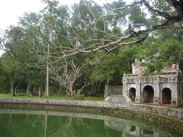 Khuôn viên chùa Từ Hiếu, nơi có nghĩa trang thái giám với 25 ngôi mộ