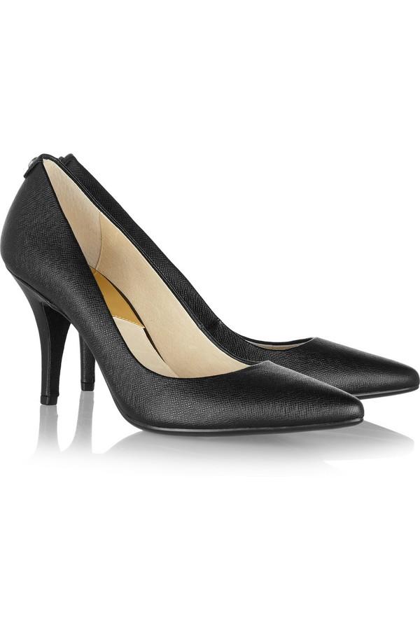 Lựa giày cao gót đen bình dân đến cao cấp cho nàng công sở 6