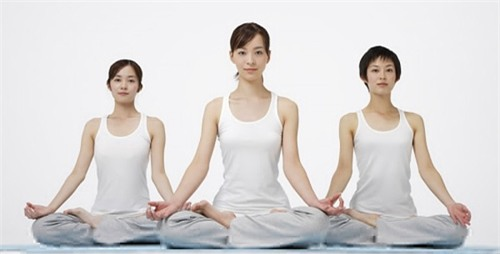 Ngoài tác dụng nâng cao sức khỏe, yoga còn mang lại cho người tập một vóc dáng cân đối, gọn gàng.