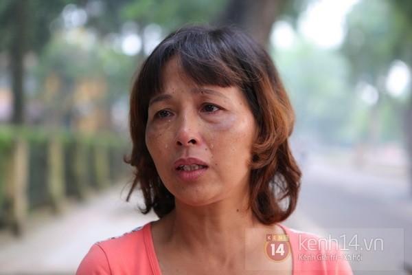 Từ tờ mờ sáng nay, người dân Hà Nội đã đến khóc thương Đại tướng 24
