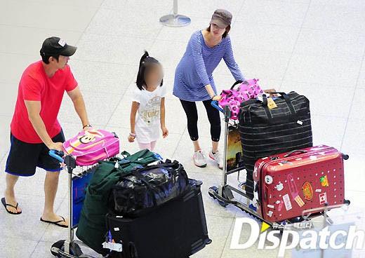 Năm 2003, ở tuổi 22, Lee Yo Won đã gây ngạc nhiên khi thông báo cô sẽ kết hôn. Lee Yo Won kết hôn với nhà kinh doanh/tay golf chuyên nghiệp Park Jin Woo. Lee Yo Won tạm ngừng sự nghiệp diễn xuất để cùng chồng sang Mỹ. Năm 2004, cô có con gái đầu lòng.