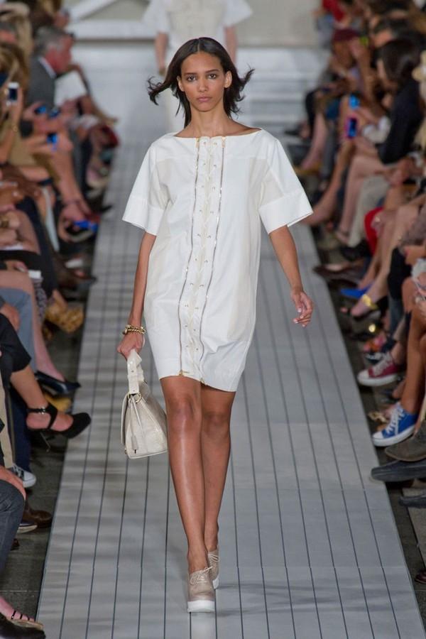 """Little White Dress - chiếc váy """"quyền lực"""" của phái đẹp Hè 2013 5"""