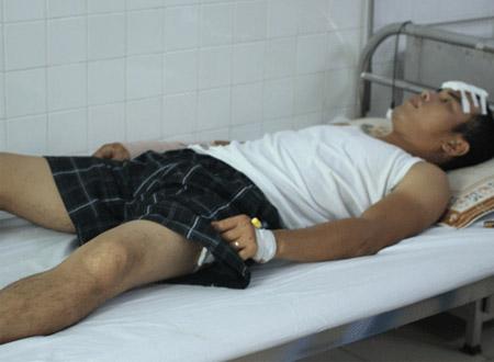Anh Nguyễn Đức Vui đang được điều trị tại Bệnh viện Đà Nẵng