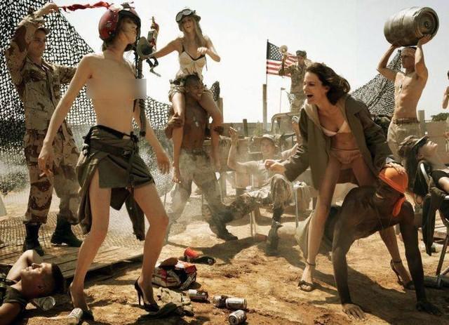 Nhiều người cho rằng những hình ảnh hở hang không phù hợp với những bộ ảnh để phản đối chiến tranh.