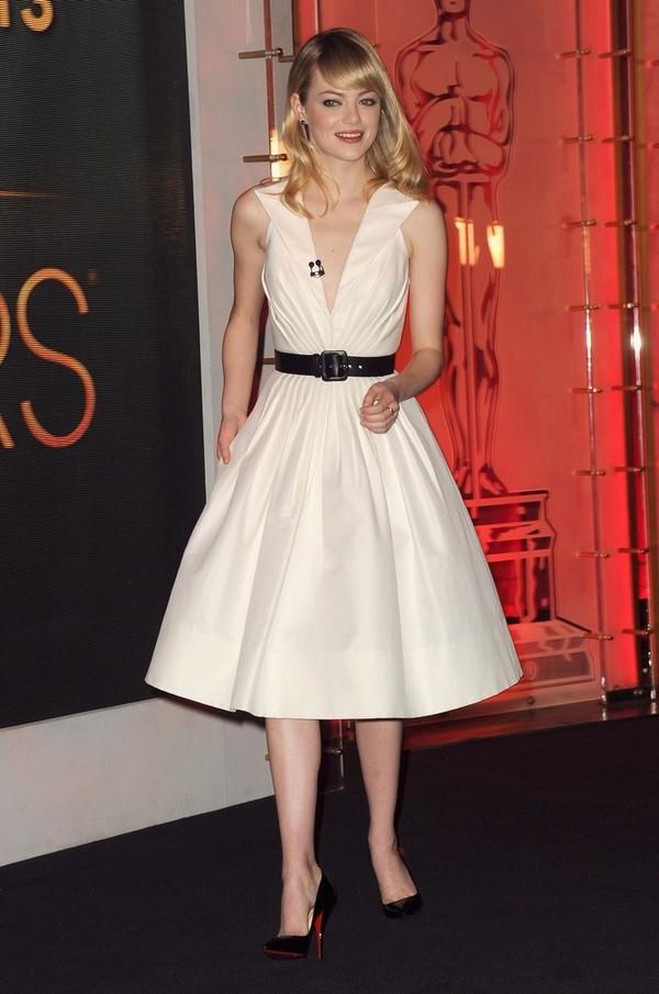 """Little White Dress - chiếc váy """"quyền lực"""" của phái đẹp Hè 2013 30"""