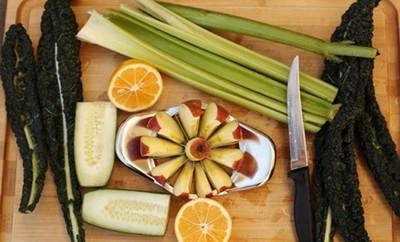 3 cách làm nước ép rau quả giải nhiệt ngày nắng 10