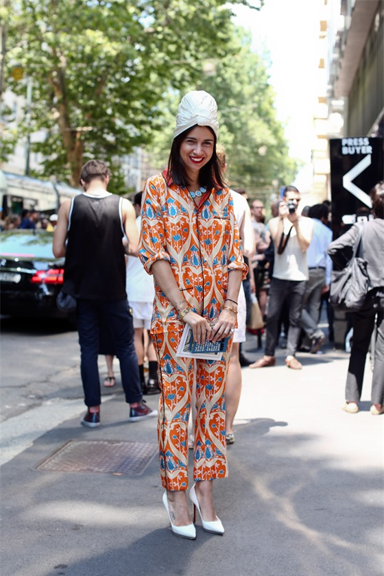 Quyến rũ và hiện đại như street style tháng 8 của phái đẹp châu Âu 8