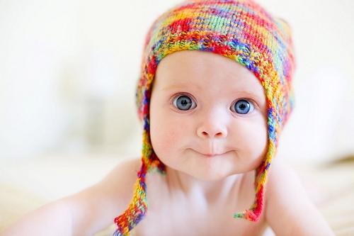 Những em bé mới sinh có thể nhìn rõ những vật thể cách xa mình 38cm.