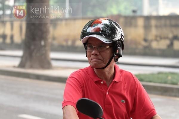 Từ tờ mờ sáng nay, người dân Hà Nội đã đến khóc thương Đại tướng 22