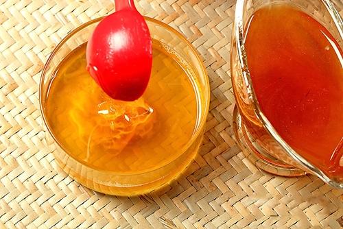 Cách đơn giản để làm son dưỡng cho môi mềm mại - 6