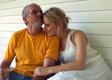 """""""Eat, pray, love"""" được chuyển thể dựa theo cuốn hồi ký của nhà văn Elizabeth Gilbert. Ở ngoài đời, Elizabeth Gilbert thực sự đã gặp được một nửa của đời mình là Jose (trong phim đã được đổi tên thành Felipe). Chuyện tình cảm của cặp đôi trên thực tế cũng diễn ra hệt như trên phim. Tuy nhiên, cái kết của câu chuyện trên thực tế thậm chí còn trọn vẹn hơn khi Elizabeth thật đã kết hôn với Jose còn hai nhân vật Elizabeth và Felipe thì lại quyết định sẽ ở bên nhau nhưng không bao giờ kết hôn."""