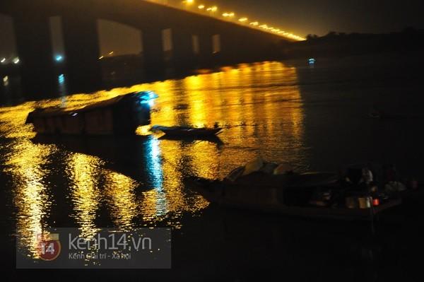 Đêm thứ 6 nằm dưới lòng sông, đội cứu hộ vẫn chưa tìm thấy thi thể chị Huyền 1