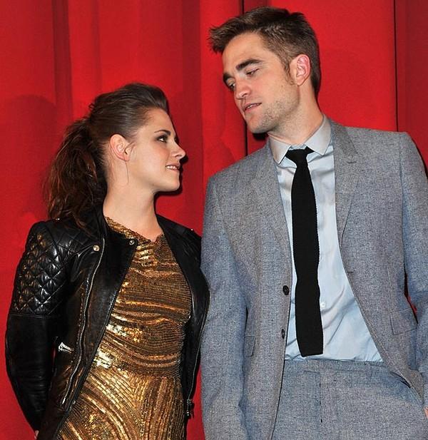 """Robert Pattinson """"đá"""" Kristen Stewart 1"""