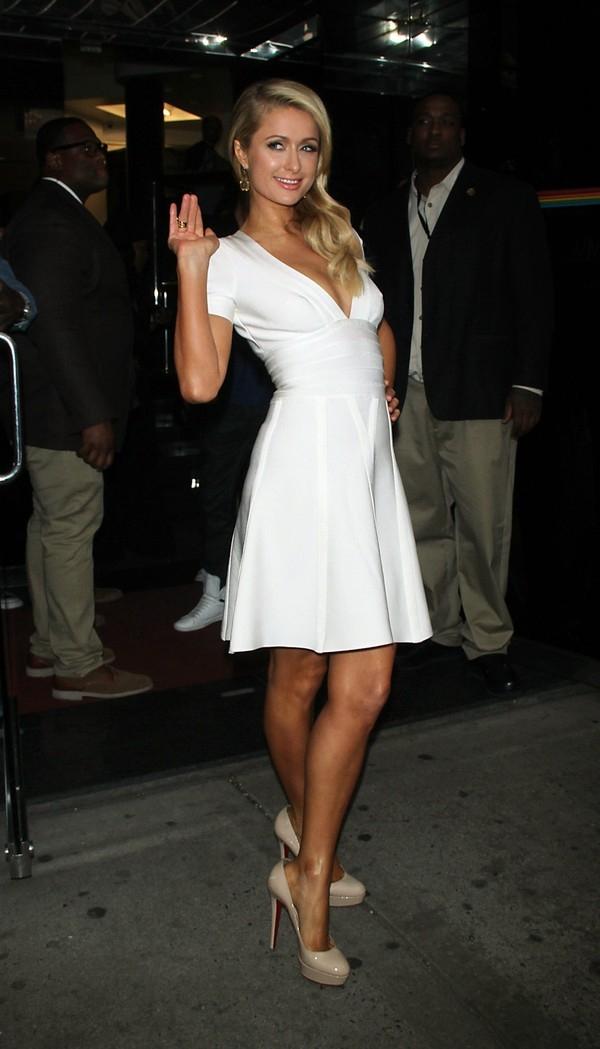 """Little White Dress - chiếc váy """"quyền lực"""" của phái đẹp Hè 2013 32"""