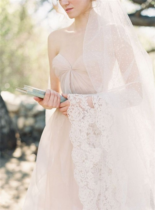 10 váy cưới lý tưởng cho nàng ngực nhỏ, eo to - 8