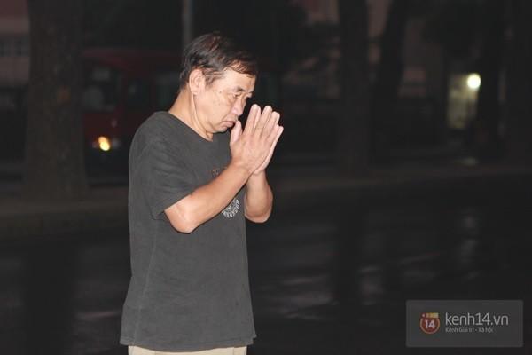 Từ tờ mờ sáng nay, người dân Hà Nội đã đến khóc thương Đại tướng 1