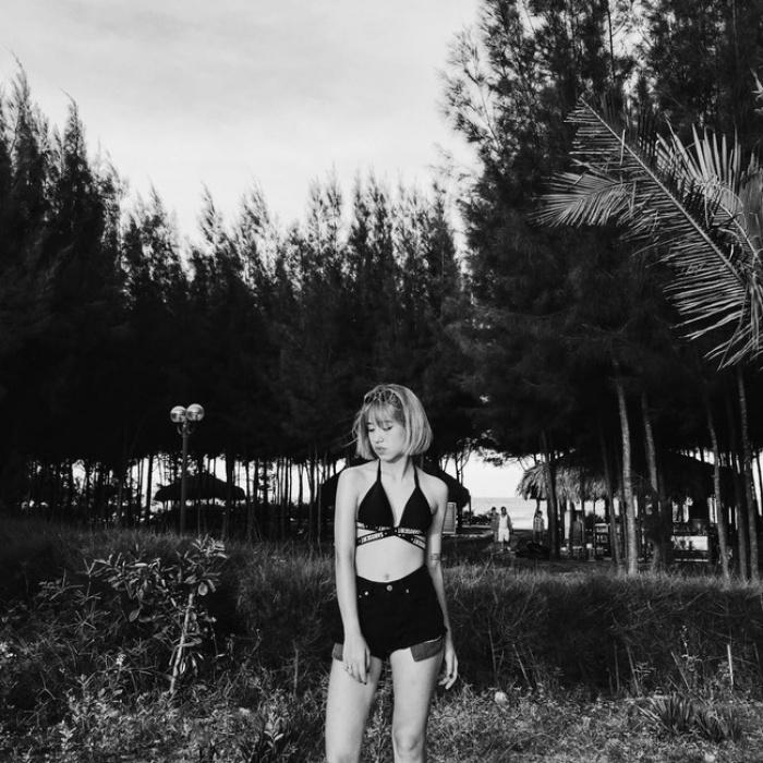 6 cô nàng hot girl Việt đang lăng xê tích cực phong cách gợi cảm - Ảnh 9.