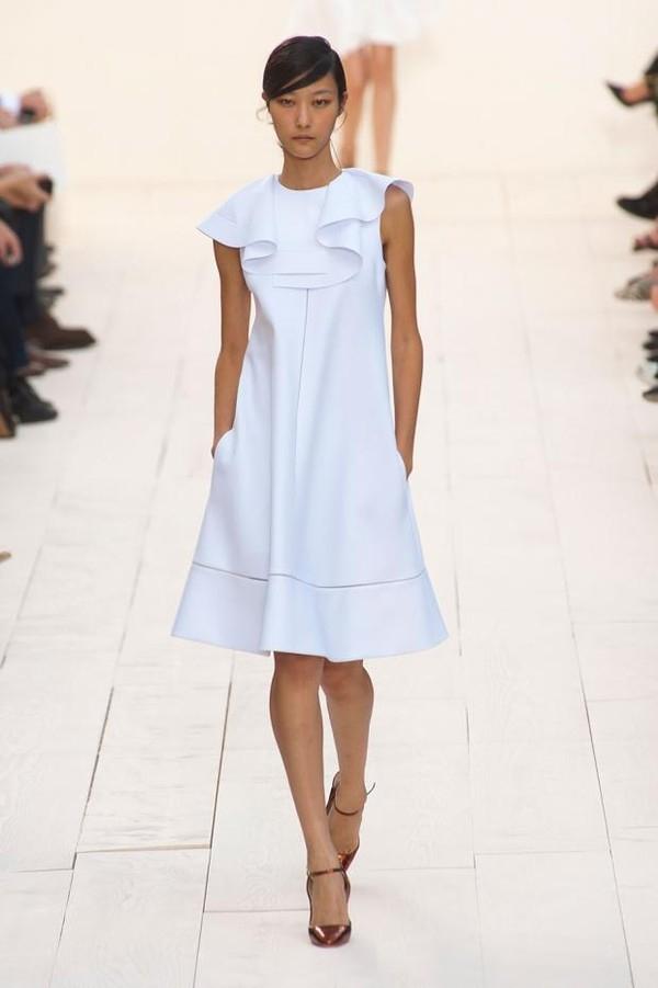 """Little White Dress - chiếc váy """"quyền lực"""" của phái đẹp Hè 2013 4"""