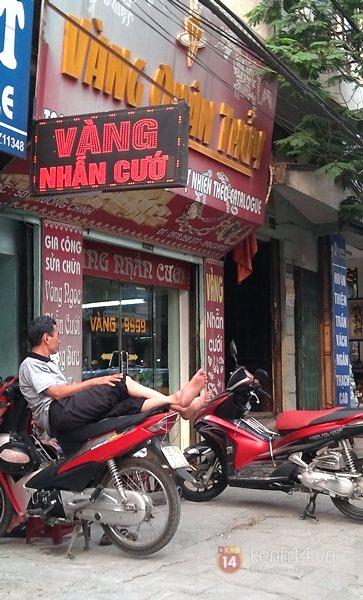 Nam thanh niên mang súng nhựa đi cướp tiệm vàng giữa Hà Nội 1
