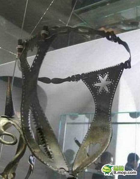 Những hình phạt ghê rợn với phụ nữ ngoại tình thời cổ 1