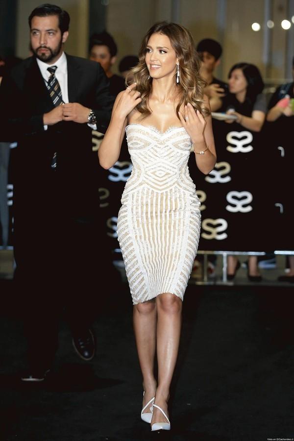 """Little White Dress - chiếc váy """"quyền lực"""" của phái đẹp Hè 2013 24"""