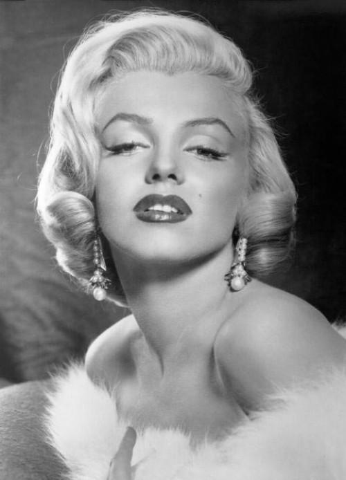 Bí quyết làm đẹp của 10 huyền thoại Hollywood một thời
