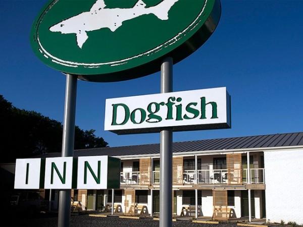 Uống bia ở Delaware: Hãy ghé thăm Dogfish Head, một trong những xưởng bia hàng đầu nước Mỹ và thưởng thức một cốc bia tươi mát lạnh với đủ mọi hương vị, nồng độ khác nhau.