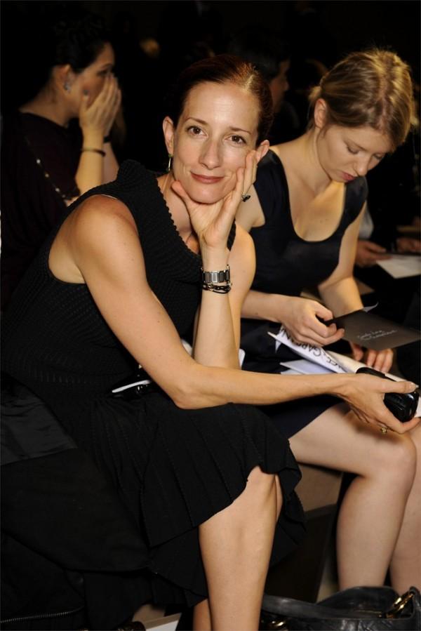 """Vanessa Friedman, Giám đốc thời trang của New York Times, cũng cho rằng việc tổ chức rời rạc của NYFW ngày nay là """"vô cùng lộn xộn""""."""