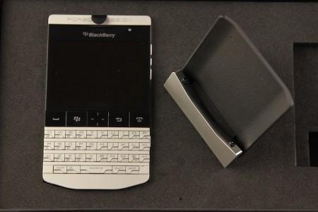 Blackberry Porsche P9981 trên tay và video unboxing tại việt nam